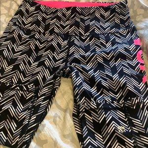 Victoria's Secret VSX cropped leggings